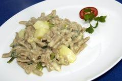Italiaans voedsel - pizzoccheri Royalty-vrije Stock Foto