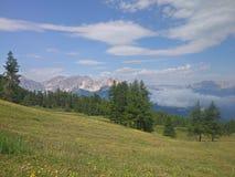 Italiaanse alpen over sauze d& x27; oulx Stock Fotografie