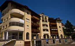 Italiaanse Alpen - typisch gasthuis of hotel Stock Fotografie
