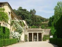 Italiaanse Binnenplaats Royalty-vrije Stock Fotografie