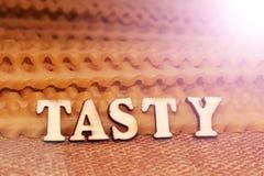 Italiaanse deegwaren en van letters voorziende houten brieven Royalty-vrije Stock Afbeelding