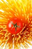 Italiaanse Deegwaren met tomaten Royalty-vrije Stock Afbeelding