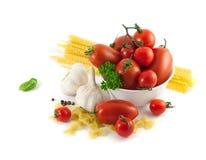 Italiaanse deegwaren met tomaten Royalty-vrije Stock Foto's