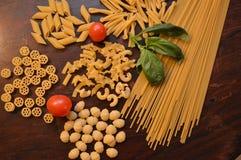 Italiaanse deegwarenmengeling Stock Foto's