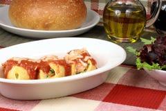 Italiaanse deegwarenshell broodjes royalty-vrije stock afbeelding