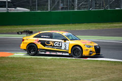 Italiaanse die het Reizen Auto door Audi Sport wordt ontwikkeld royalty-vrije stock afbeeldingen