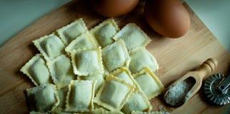 Italiaanse eigengemaakte ravioli Stock Foto