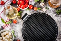 Italiaanse het voedselingrediënten van de deegwarenpizza royalty-vrije stock foto