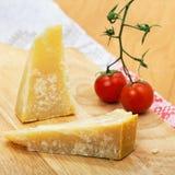 Italiaanse kaasParmezaanse kaas stock foto's