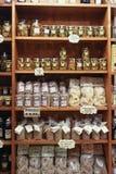 Italiaanse kruidenierswinkelopslag stock foto