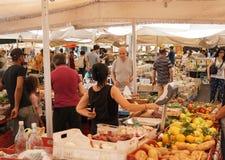 Italiaanse landbouwers` markt stock afbeeldingen