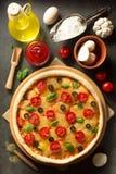 Italiaanse pizza aan oude oppervlakte Stock Foto