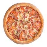 Italiaanse pizza, hoogste die mening, op witte geïsoleerde achtergrond wordt geïsoleerd Stock Foto's