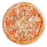 Italiaanse pizza, hoogste die mening, op witte geïsoleerde achtergrond wordt geïsoleerd Royalty-vrije Stock Afbeeldingen