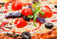 Italiaanse pizzaclose-up Stock Foto's