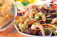 Italiaanse salade met garnalen Royalty-vrije Stock Foto's