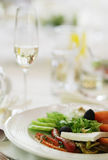 Italiaanse salade met mozarellakaas Stock Fotografie