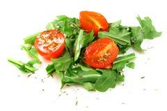 Italiaanse salade van tomaat en rucola royalty-vrije stock fotografie