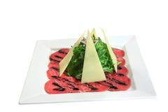 Italiaanse schotel: carpaccio van rundvleesmarmer Stock Afbeeldingen