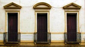 Italiaanse stijl oude vensters Stock Afbeelding