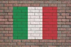 Italiaanse vlag op bakstenen muur stock illustratie