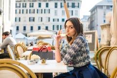 Italiaanse witte wijn stock fotografie