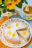 Italiaanse zoete cake Torta Margherita met suikerglazuursuiker Royalty-vrije Stock Fotografie