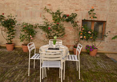 Italian courtyard Royalty Free Stock Images
