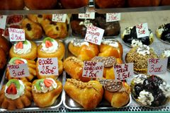 Italian food: sweets for sale in Naples, Italy Stock Photography