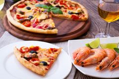 Italian Pizza with seafood Royalty Free Stock Photos