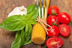 Italian spaghetti pasta tomato and basil Stock Photography