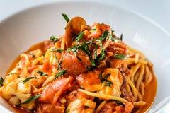 Italiano do marinara dos espaguetes do marisco com moluscos e Foto de Stock Royalty Free