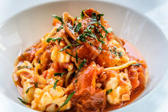 Italiano do marinara dos espaguetes do marisco com moluscos e Fotografia de Stock Royalty Free