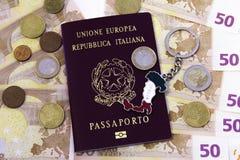 Italiano do passaporte do dinheiro fotos de stock