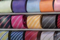 Italiano hecho en el lazo de seda de Italia en la exhibición Imagen de archivo libre de regalías