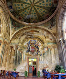 """Italien †""""Sorrento - kulturell cirkel i den deconsecrated kyrkan Arkivfoton"""