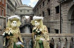 """Italien †""""Venezia - karneval - Sospiri bro Royaltyfri Foto"""