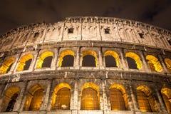 Italien belichtete Colosseum nachts Lizenzfreie Stockbilder