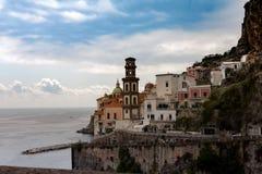Italien, Campagnia-Region, Amalfi-Küste die Stadt von Atrani Italienische Feiertage Stockfotografie