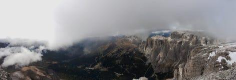 Italien Dolomites, Sass Pordoi Royaltyfria Bilder