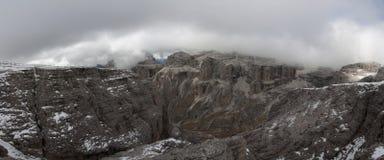 Italien Dolomites, Sass Pordoi Royaltyfri Foto