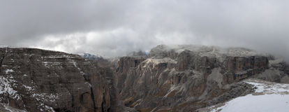 Italien Dolomites, Sass Pordoi Arkivfoton