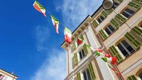 Italien-Flaggen-Wellenartig bewegen stock video