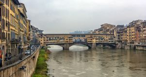 Italien Florence, 03,01,2018 den guld- bron Royaltyfria Foton