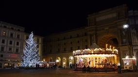 Italien Florence Republic Square på julnatt arkivfilmer