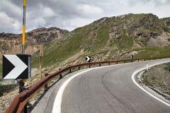 Italien - Gebirgsstraße stockbild