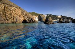 Italien, Küste, Mittelmeer, ponza vom Boot Stockbild