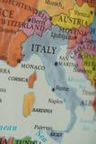 Italien land på pappers- översikt arkivbilder