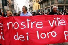 Italien, Leute, die Arbeitslosigkeit u. Politiken protestieren Stockbilder