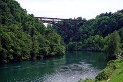 Italien, Lombardei, entlang dem Adda-Fluss, die Brücke von ` Adda Paderno d Stockfotografie